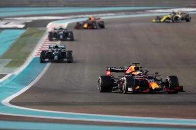 F1 Abu Dhabi 2020, Verstappen trionfa
