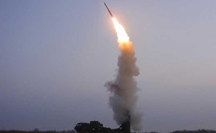 """Mentre l'Occidente parla di """"identità"""", la Cina costruisce missili"""